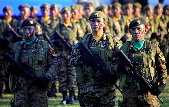 Foto de archivo de militares filipinos.