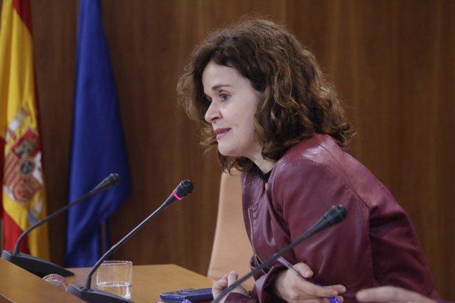 La portavoz adjunta del grupo parlamentario de Podemos Esperanza Gómez