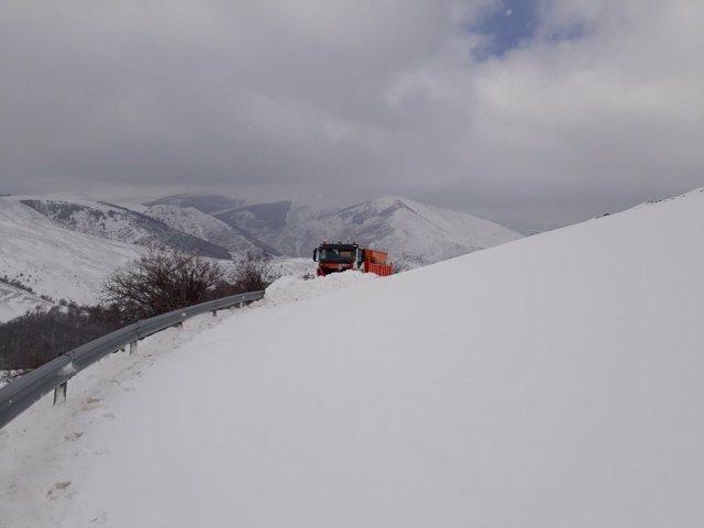 El puerto de Montenegro cerrado por nieve