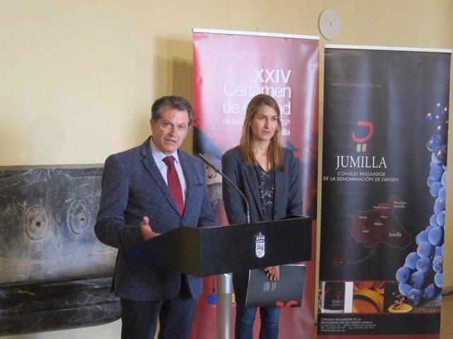 Carolina Martínez y Francisco Jódar, en la rueda de prensa