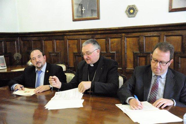 Ramón Millán, monseñor Antonio Gómez y Jesús Antonio Beamonte