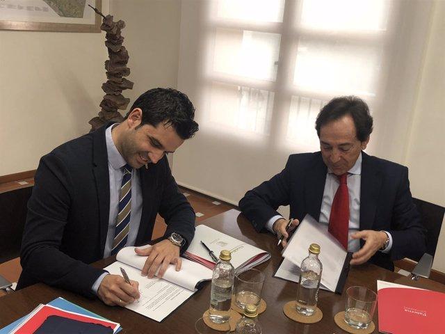 Firma del convenio entre Paterna Ciudad de Empresas y Puerto Mediterráneo