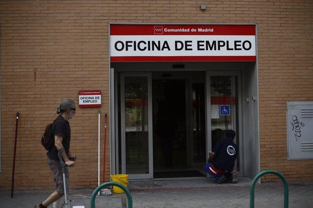 El Gobierno plantea fusionar las ayudas a parados de larga duración en una de 430 euros, según UGT