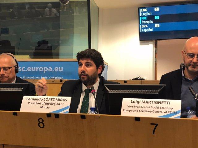 López Miras, en la mesa redonda sobre políticas regionales