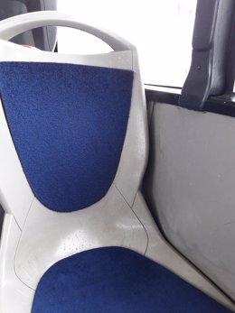 Goteras en un autobús urbano