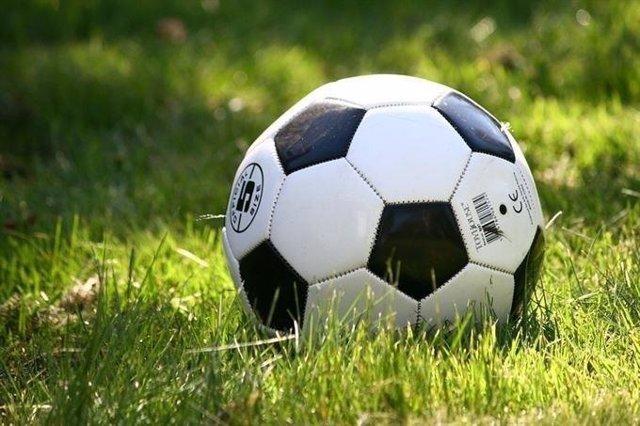 Imagen de archivo de una pelota de fútbol