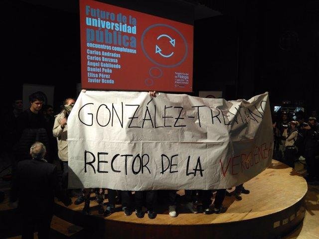 Estudiantes protestan contra exrector de la URJC