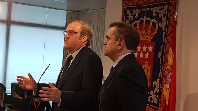 José Manuel Franco y Ángel Gabilondo en rueda de prensa