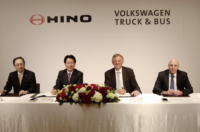 Alianza estratégica entre Volkswagen Truck & Bus e Hino