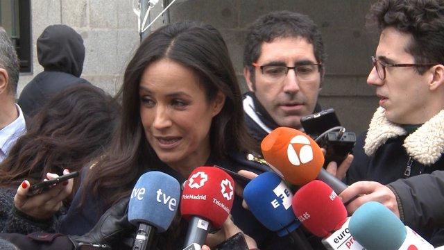 Villacís, Rivera, Almeida y Causapié declaran a la salida una entrega de premios