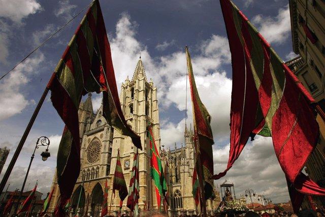 La Catedral y los Pendones de León.