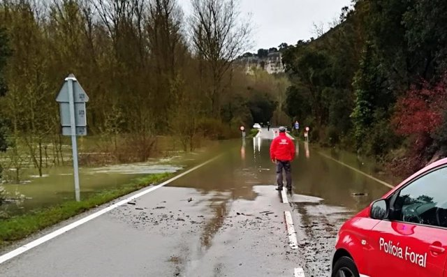 Policía Foral, ante inundaciones en Navarra.