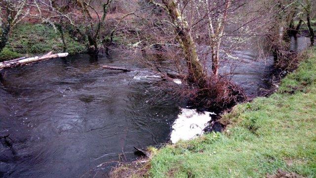 Lugar del río Mandeo donde fue recuperado el cuerpo del desaparecido