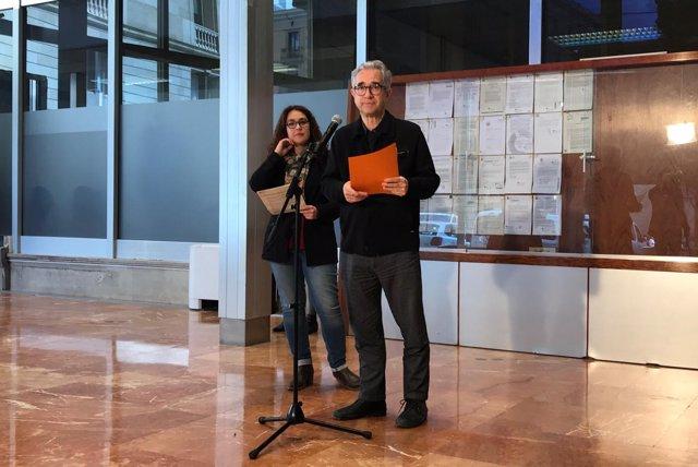 Los concejales del Ayuntamiento de Barcelona Laura Pérez y Josep Maria Montaner