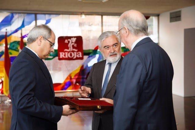 El director de la RAE visita el Consejo Regulador de la DOC Rioja