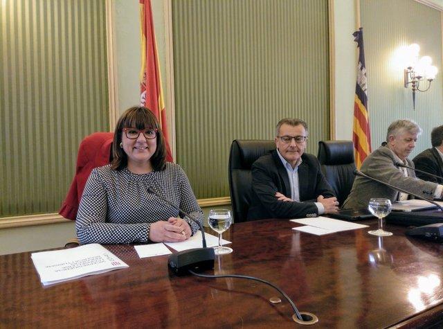 La vicepresidenta Bel Busquets en Reunión de Comisión, Parlament