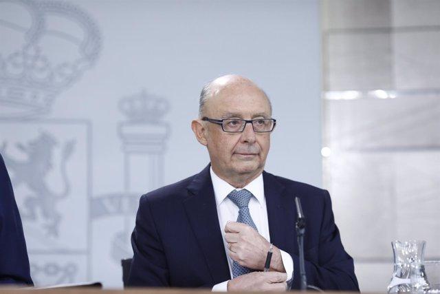 Rueda de prensa del ministro de Hacienda, Cristóbal Montoro