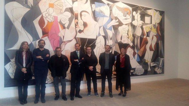 Presentación del homenaje de José Ramón Amondarain al 'Guernica' en el Solleric