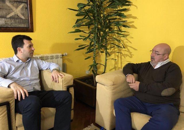 Gonzalo Caballero y Roberto García se reúnen en Santiago