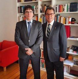Expresidentes de la Generalitat Carles Puigdemont y Artur Mas