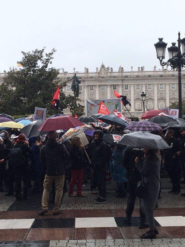 Protesta por la unión del Teatro Real y el Teatro de La Zarzuela
