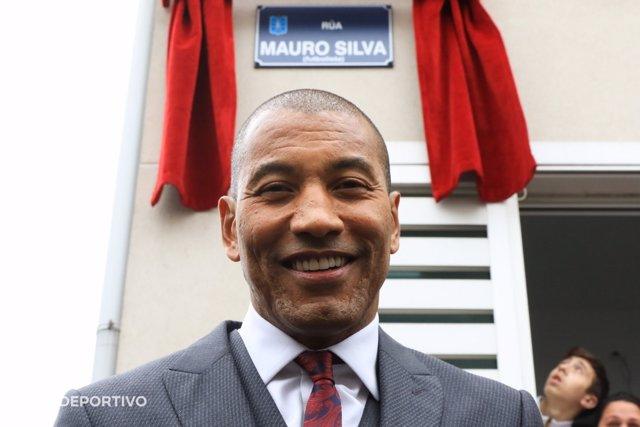 Mauro Silva inaugura la calle que lleva su nombre en A Coruña