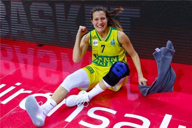 Paola Ferrari, jugador del Mann Filter