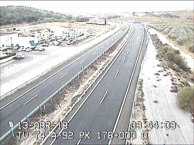 La A92, restablecida al tráfico en Granada, tras nevar en el Puerto de la Mora