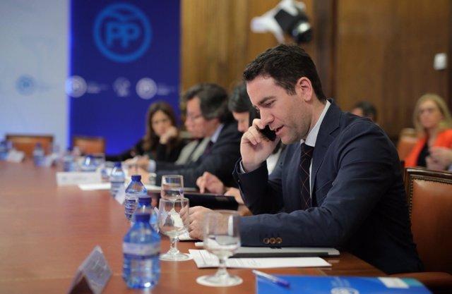 Teodoro García en la reunión con la ministra