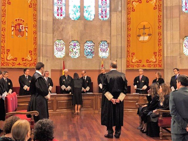 Pte.Del TSJC Jesús María Barrientos en la jura de jueces