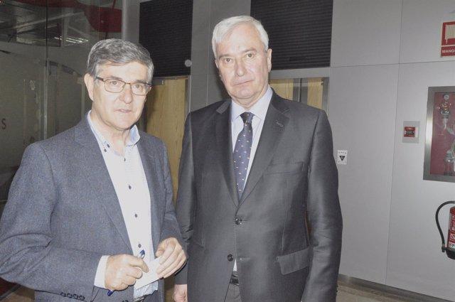 Vicente Guillén y Gustavo Alcalde en la reunión del CECOP.