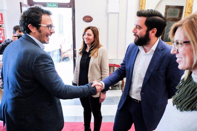 El alcalde de Cádiz con el portavoz del PSOE en el Ayuntamiento de Cádiz