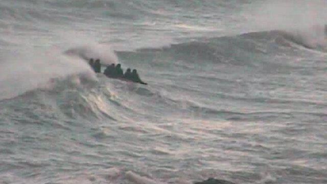 Inmigrantes rescatados por la Guardia Civil en Ceuta
