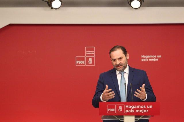 Rueda de prensa del secretario de Organización del PSOE, José Luis Ábalos