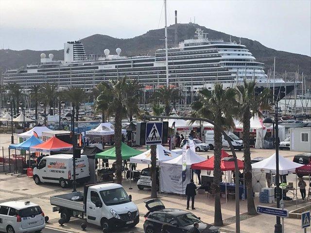 Uno de los cruceros atracados durante este fin de semana en Cartagena