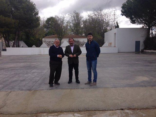 Visita del diputado José Castro a Villatorres (Jaén)