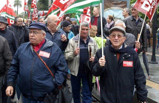 Manifestación en Sevilla en defensa de pensiones dignas