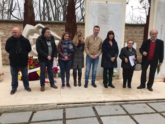 Acto del PSOE de Jaén en el cementerio de Linares