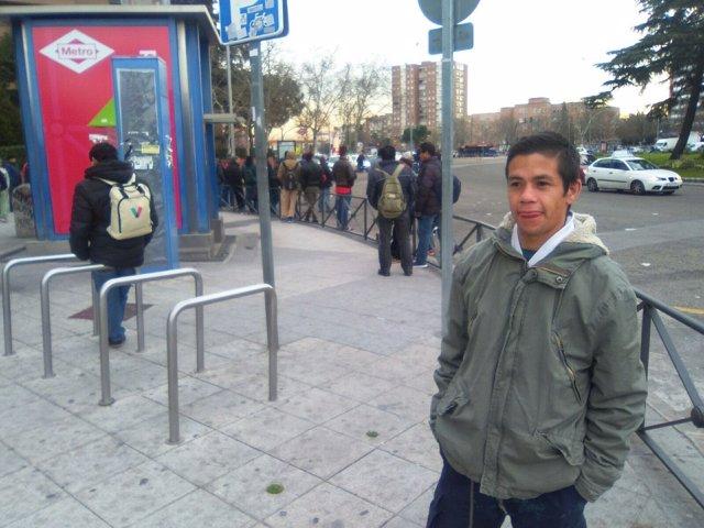 Eduardo, migrante argentino, en Plaza Elíptica