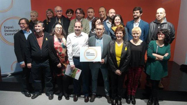 Representantes de las entidades impulsoras del Espai Convivència i Democràcia