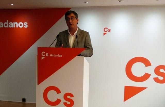Ignacio Prendes en rueda de prensa.