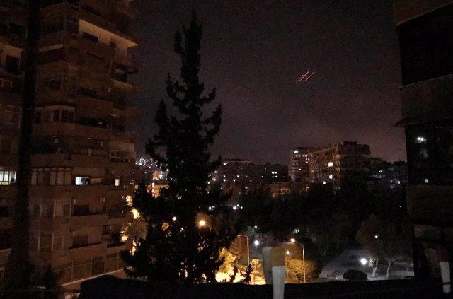 Un misil antiaéreo sobrevuela Damasco