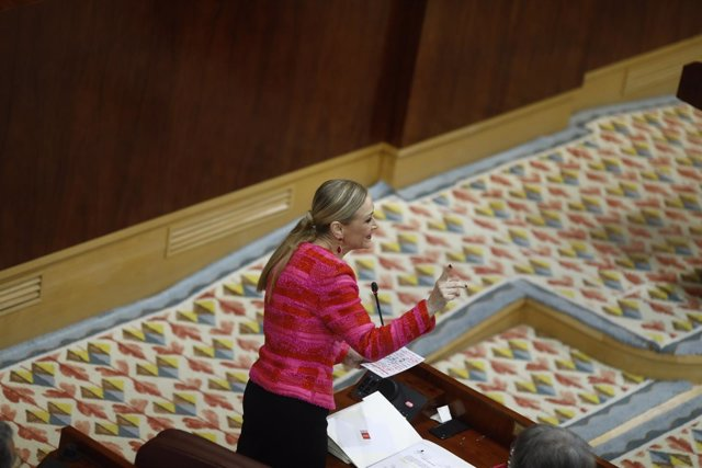 Cristina Cifuentes durante un pleno en la Asamblea de Madrid