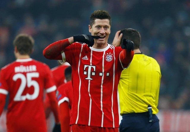 Robert Lewandowski celebra un gol con el Bayern