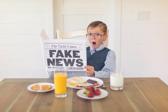 DIETA, DESAYUNO, PERIÓDICO, FAKE NEWS