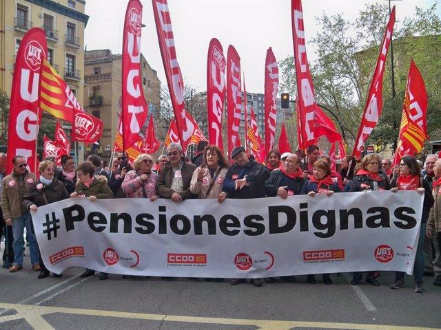 Manifestación por las pensiones de UGT y CC.OO.