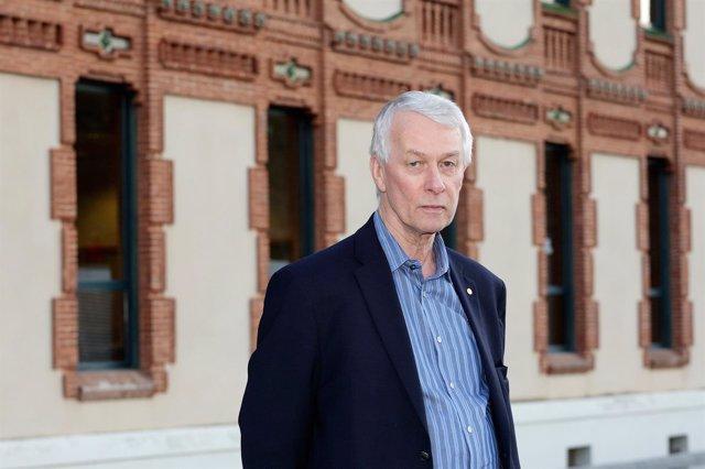 El bioquímico inglés Richard Roberts en una visita al CosmoCaixa de Barcelona