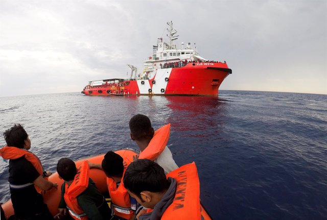 Migrantes rescatados por Save the Children en el Mediterráneo