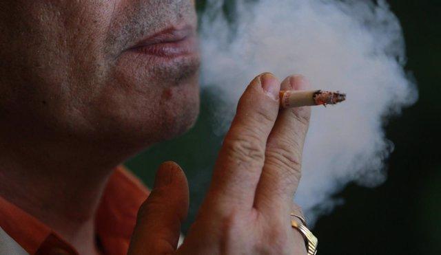 Fumador, fumando, cigarro, humo