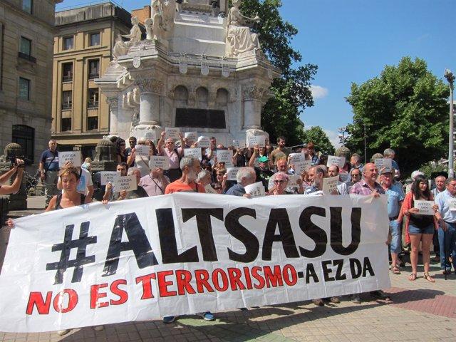 Concentración de familiares de los detenidos de Alsasua